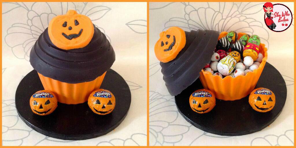 halloween-giant-cupcake