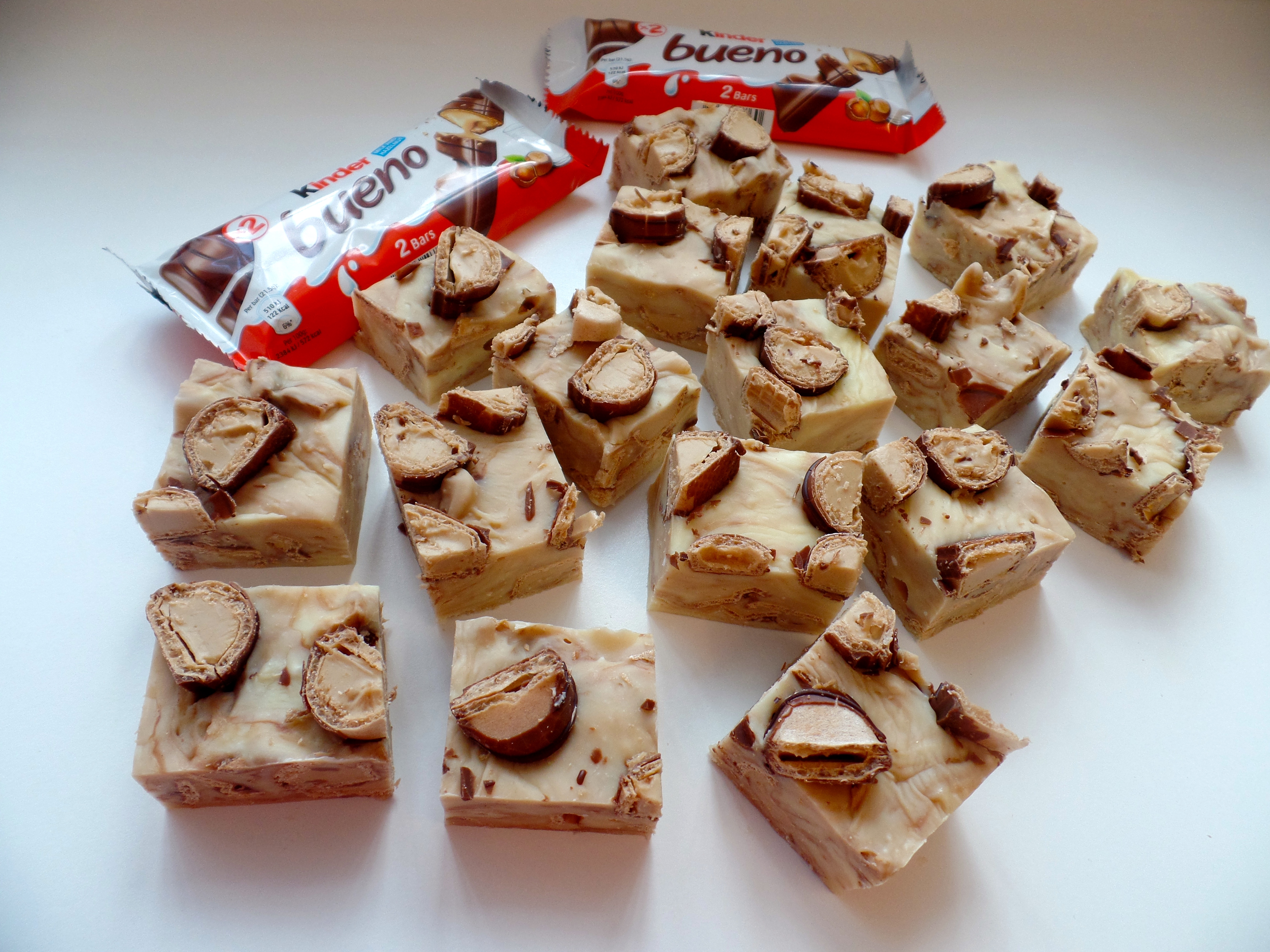 "marketing mix kinder bueno marketing essay Kinder bueno (kinder is german for ""children"", bueno is spanish for ""good"" or ""tasty"") is a chocolate bar made by italian confectionery maker ferrero kinder bueno is a hazelnut cream filled wafer with a chocolate covering."